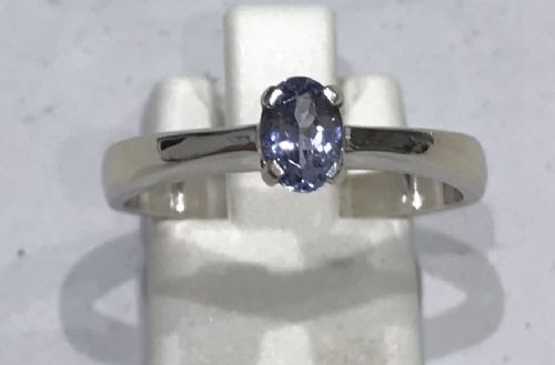 Tanzanite white gold oval ring